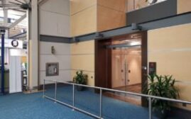 机场贵宾室体验 - 温哥华国际机场YVR的加航枫叶休息室(Maple Leaf Lounge USA Terminal)