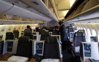 飞行体验 - 美国航空American Airlines(AA)商务舱,马德里-纽约