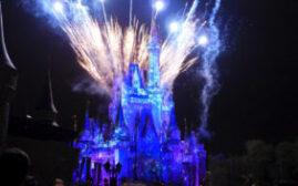 奥兰多迪士尼世界 - 必看的烟花灯光秀和花车巡游