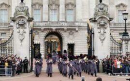 英伦游记 - 白金汉宫皇家卫兵交接,海德公园喂鸽子,圣詹姆斯公园和格林公园