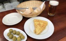 马德里美食 - 在圣米盖尔市场附近的Cerveriz Bar吃到了最好的Tortilla